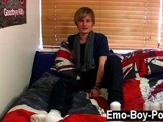 Twinks xxx brent daley ist eine entzückende Platin-blonde emo boy eines unserer