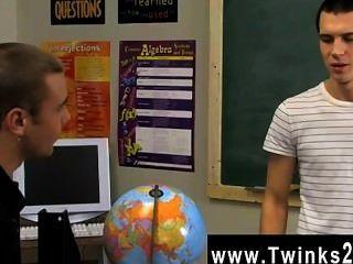 Homosexuell Twinks die niedlichen, jungen Menschen in der Klasse, nachdem alle sind