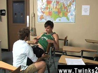 Twink Sex ashton Eile und Brice carson sind in der Schule zu üben romeo und