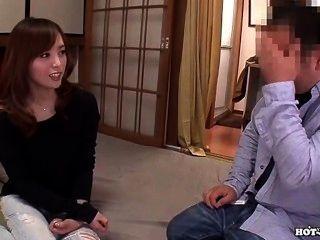 Japanische Mädchen bezaubern heiße jav Frau in bed.avi