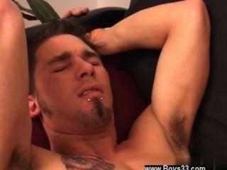 Homosexuell Video tommy auf der Couch niedergelegt und jake weiterhin bleiben auf