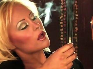 blonde Rauchen Fetisch