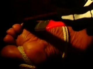 Fuß kitzeln & verbal tease / sticheln