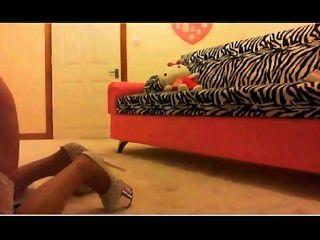 chloe verwendet Dildo auf Webcam