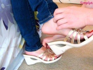laura neue slideoff Schuhe kitzeln