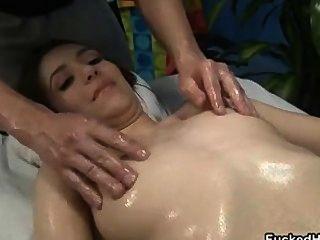cute brunette Babe bekommt ihre Titten part5