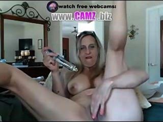 Heiße Oma mit Dildo Webcams von camz.biz