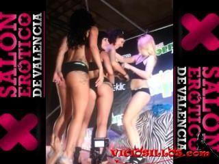 ESPONTANEA con actrices del porno en el sev 2013 von viciosillos.com
