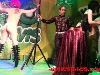 mago pepe Show mit Herrin minerva y nora Barcela von viciosillos.com