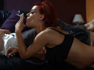 lou lou starke Zigaretten Rauchen Sex
