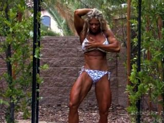 female_bodybuilder