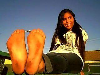 verschwitzt latina Füße
