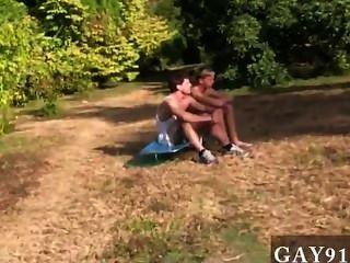 Homosexuell Jungs diese Woche Unterordnung verfügt über eine alternative Version eines