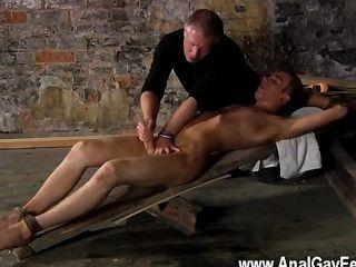 Homosexuell Orgie gibt es eine Menge, dass sebastian kane liebt es zu seinen Gefangenen