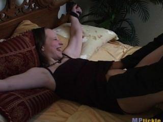 kitzeln auf dem Bett