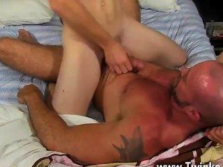Homosexuell Orgie würden wir alle genießen auf der Hung Twink Speer von anthony zu fellate