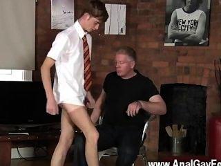 hot Homosexuell Sex die Schüler jacob versohlt