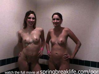 Schwester Schaumbad und Dusche