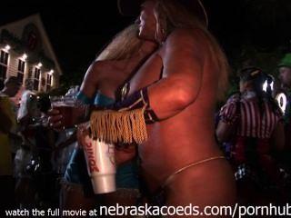 Straßenfest Schlüssel west wild hot naked chicks überall