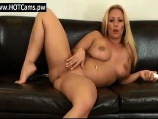 Chat erwachsenen riesigen Titten Puma ihre Muschi liebäugelt - hotcams.pw