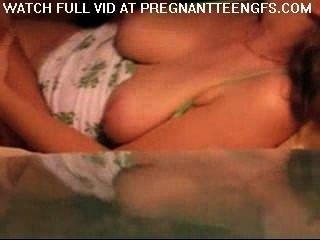 schwanger gf wird zu Hause von ihrem Freund gefickt