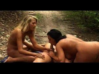 mandy blau ist der Outdoor-Sex Therapeut für Paare