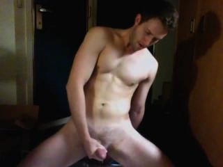 hot guy vor der Kamera Cumming