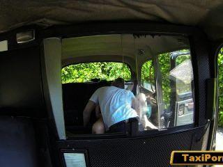 unbefriedigte Frau ficken Taxifahrer auf der Überwachungskamera erwischt