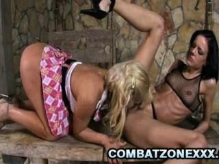 britney - vollbusige Blondie leidenschaftlicher lesbischen Sex mit Freund mit
