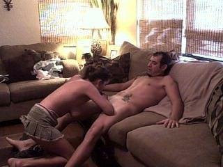 Pärchen beim Ficken auf der Couch