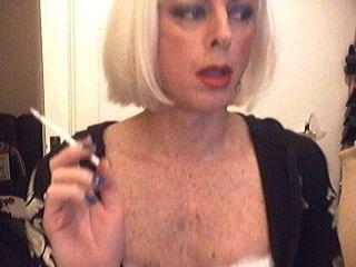 Rauchen Sissy chrissy