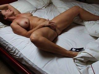 Frau pleasuring selbst