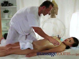 Massageräume große Brüste Schönheit hat mehrere Orgasmus von harten Stampfen