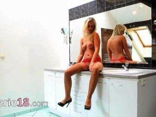 meine Frau im Badezimmer fingern