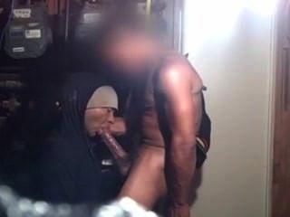 diksukka im Lagerraum gefickt
