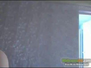heißeste blonde nerdy 19yo mit gelben Gläsern auf Webcam