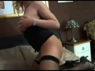 Ältere Frauen mit Schwanz masturbiert