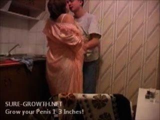 bbw Oma fickt den Jungen von nebenan