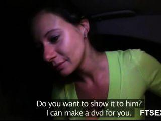 betrogen Frau bekommt auf ihrem Freund Rache