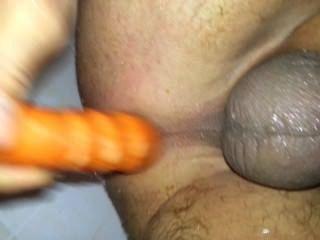meine schmutzigen Arsch in der Dusche Ficken mit einer Karotte! - 24karrot!