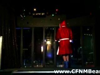 cfnm Stripper von cfnm Mädchen in der Öffentlichkeit saugte