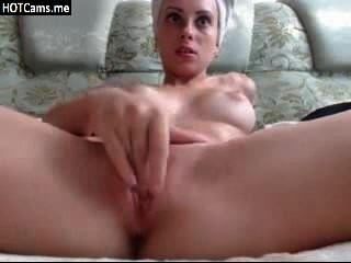 hot Teen schöne Titten masturbiert