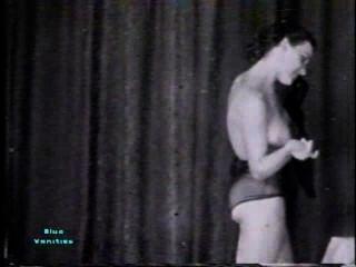 Softcore nudes 115 40er und 50er Jahre - Szene 3
