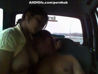 indian ficken im Auto