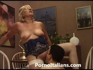 Italienisch Reife Frauen Blasen - italiana matura fa pompino ein ragazzo eccitato
