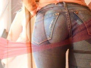 unglaublich erstaunliche natürliche Brüste und große cameltoe in Jeans