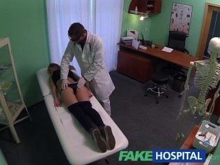 fakehospital heiß 20s Turner durch Arzt verführt und Creampie gegeben