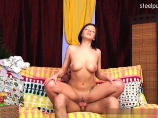 süße Cowgirl Sex in der Öffentlichkeit