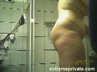 Nackt bbw Körper meiner Mutter auf Spy-Cam gefangen