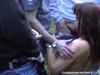 Dogging Frau gangbanged auf dem Parkplatz